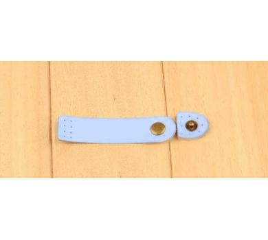 Кожаный хлястик (пришивной) на кнопке, цвет голубой, 152614