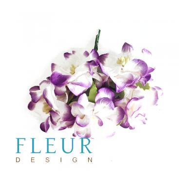 Цветы Гардении Белые с фиолетовым напылением, размер цветка 4 см, на стебле, 5 шт/ упаковка FD3093114